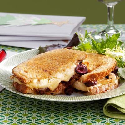 Sándwich gourmet de queso a la parrilla