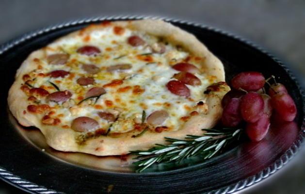 cabra y uvas ragu pizza blanca