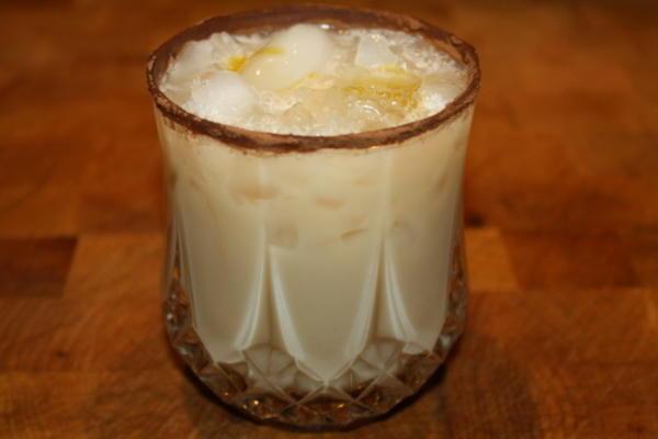 Batido de leche de caramelo de mantequilla (alcohólico)