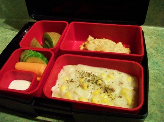 caja de almuerzo pollo chowder