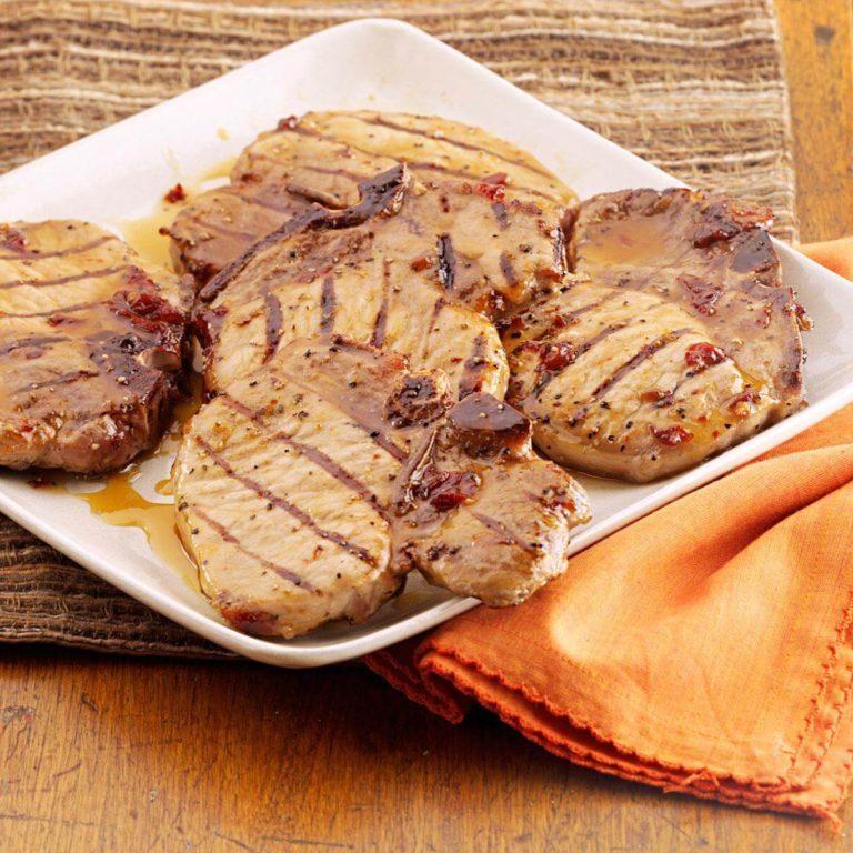 Chuletas de cerdo glaseadas con chipotle